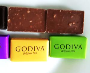 コストコのGODIVAナポリタンのピスタチオとヘーゼルナッツ (2)
